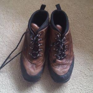 Timberland boys hiking boots size 6